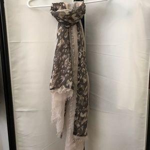 Vera Wang scarf